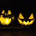 ハロウィンは家族で♪ 個性が楽しい、手作り「ジャック・オー・ランタン」並べました。