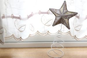函館の実店舗で、ドレスのように美しい「クリスマスツリー用の星」を購入♪
