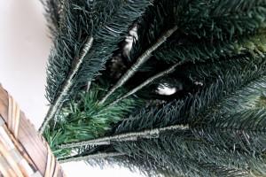 グローバルトレード社のクリスマスツリー、根本もしっかりした品質です。