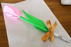 折り紙で立体チューリップ♪ 茎は試作のいいとこどりで、これに決定^^