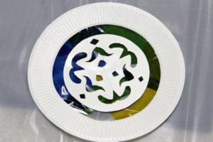 低学年の自由研究に★紙皿とカラーセロファンで、ステンドグラスのような飾り♪ その10
